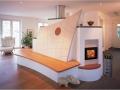 designkachelofen mit großer sitzbak